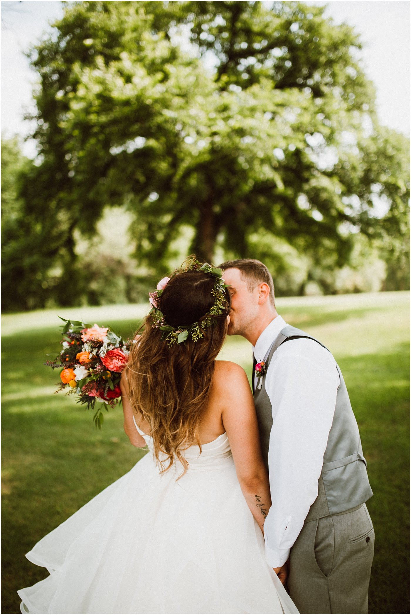Assiniboine Park Wedding Ariana Tennyson Photography
